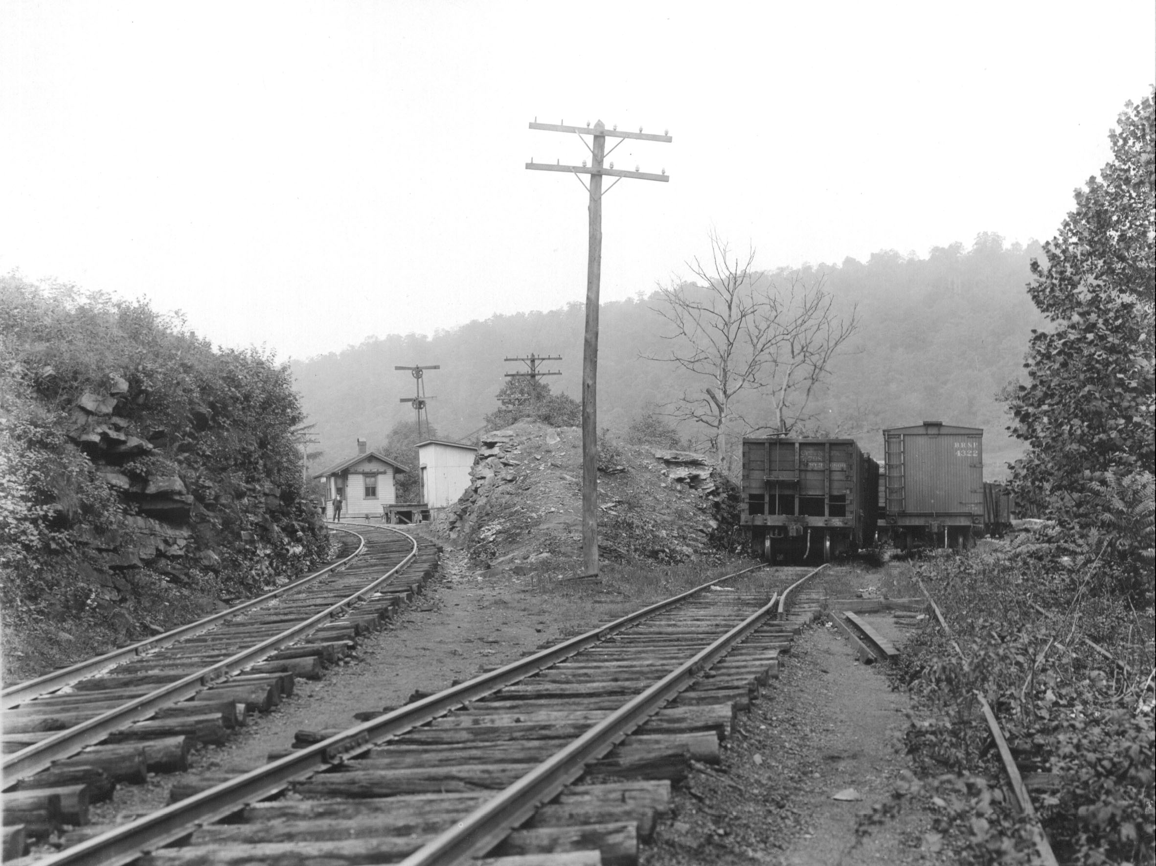 Early photo of Barrelville MD railroad junction.