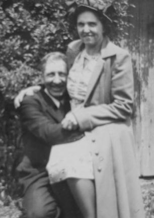 Photo of Allen & Gladys Korns.