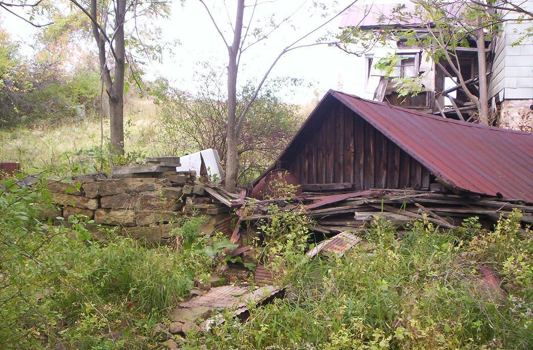 http://korns.org/misc/Detrick/farm-spring-house.jpg