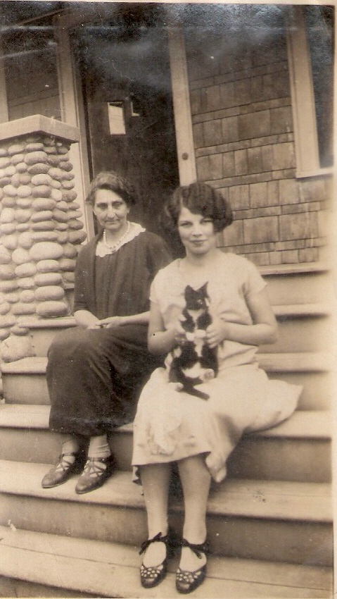Ruby Roselda Korns and her mother Roselda Torrence